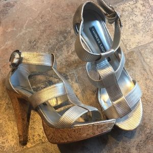 Chinese Laundry Silver sandals pumps